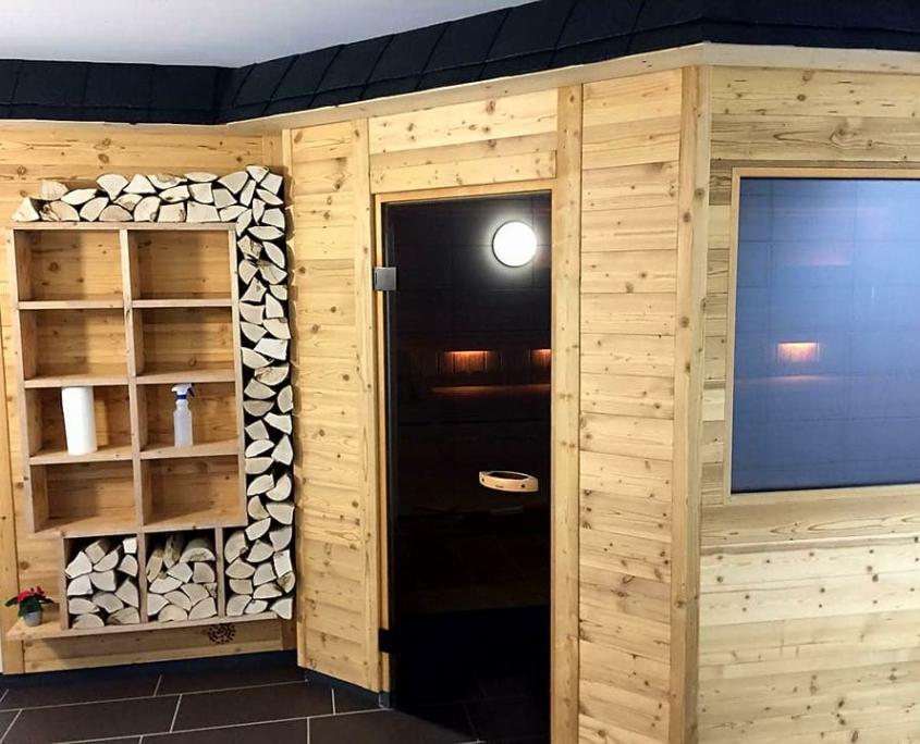 Aussenansicht unsere finnische Saune im Sportpark Halle